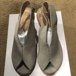 Gray suede open toes block heels shoes